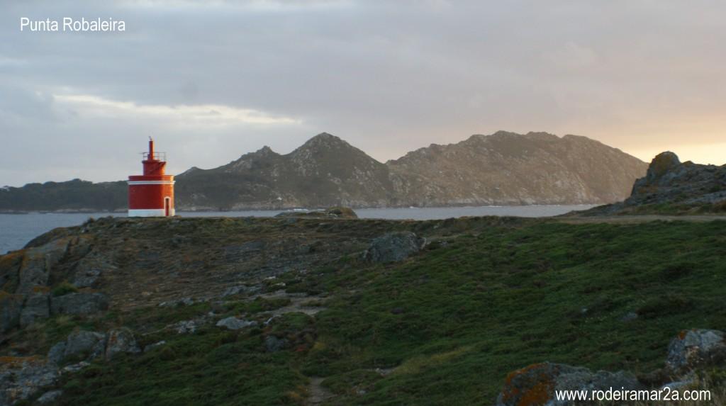 Cabo Home. Ruta por los faros de Cabo Home, playa de Melide y playa de Barra....