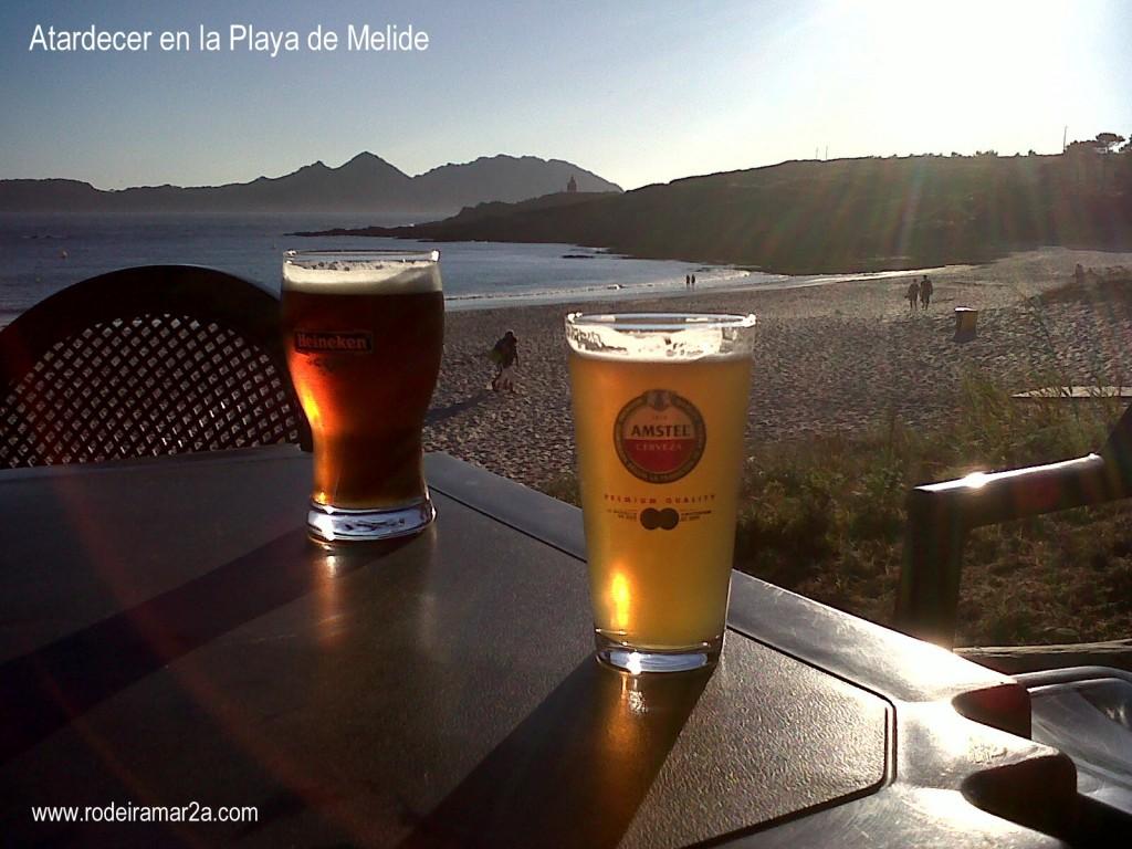 Atardecer en la Playa de Melide, Playa de Bandera azul en las Rias Baixas.