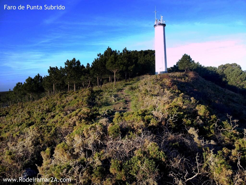 Faro de Punta Subrido. Vistas de las Islas Cíes, La Ría de Vigo, la Playa de Melide y los faros de Cabo Home