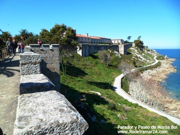 Fortaleza de Monterreal y parador de Baiona