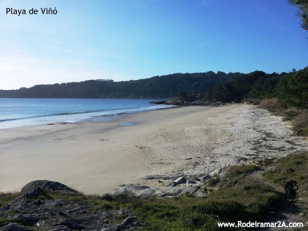 Playa de Viñó desde las rocas de la Playa de Nerga